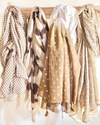 // NEW🤎🤍 Nueva colección de pañuelos estampados . . #complementos #accesorios #accesoriosdemoda #ss21 #tokutbotigues #comerciolocal #modafemenina #modamujer #newarrivals #igersterrassa #igersvilafranca #igersmataro #igersvic
