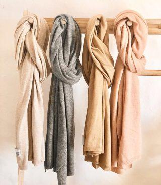 New scarves🧣 . . #scarves #scarvescollection #bufandas #complementos #accesorios #tokutstyle #tokutbotigues #igersvilafranca #igersvic #igersmataro #igersterrassa