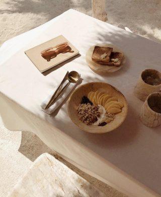 ¿Cuál es el primer alimento que tomas al levantarte?.Nosotras un desayuno equilibrado para cargar energías🍊🥭☕️ . . Inspo @viancasoleil . . #felizdomingo #desconectarparaconectar #tiempoparami #relaxtime #takeyourtime #inspiracion #tokutinspo #igersmataro #igersvilafranca #igersvic #igersterrassa