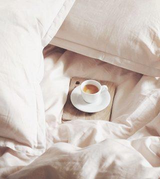 // Nuestro domingo viene con botón de pausa☕️ . . Inspo @pinterest  . . #felizdomingo #desconectarparaconectar #momentosunicos #relax #relaxtime #takeyourtime #inspo #tokutinspo #igersterrassa #igersvilafranca #igersmataro