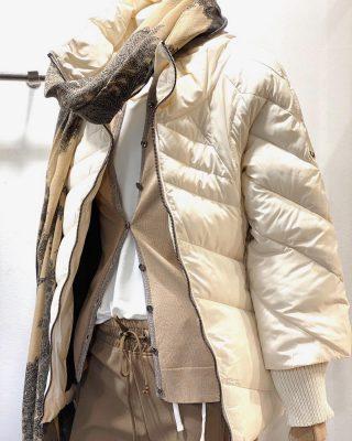 La mezcla de beig y camel es todo un clásico en tonos sobrios y minimalistas,presente siempre en nuestros estilismos y básicos para lucir todo el año🤎 . . #nuevacoleccion #ss2020 #tokutstyle #tokutbotigues #comerciolocal #modafemenina #modamujer #mujerfemenina #newarrivals #igervic #vilafrancadelpenedes #igersterrassa #igersmataro
