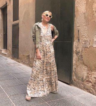 // The perfect maxi dress  @mercetaus  Floral ligero y romántico,el vestido con más éxito de la temporada . . #vestidoslargos #tendencias2021 #ss21 #modafemenina #mujerfemenina #mujeresbabú #modasostenible #modamujer #comerciodeproximidad #ecofriendly #igersmataro #igersvilafranca #igersterrassa