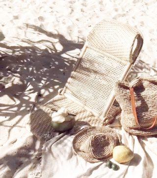 // Cuando el sol hace su gran vuelta y nos dejamos tentar por una salida en la playa ☀️ . . Via @pinterest  . . #felizdomingo #felizdia #desconectarparaconectar #momentoparami #inspiracion #tokutinspo #relaxtime #takeyourtime #igersmataro #igersterrassa #igersvilafranca #igersvic